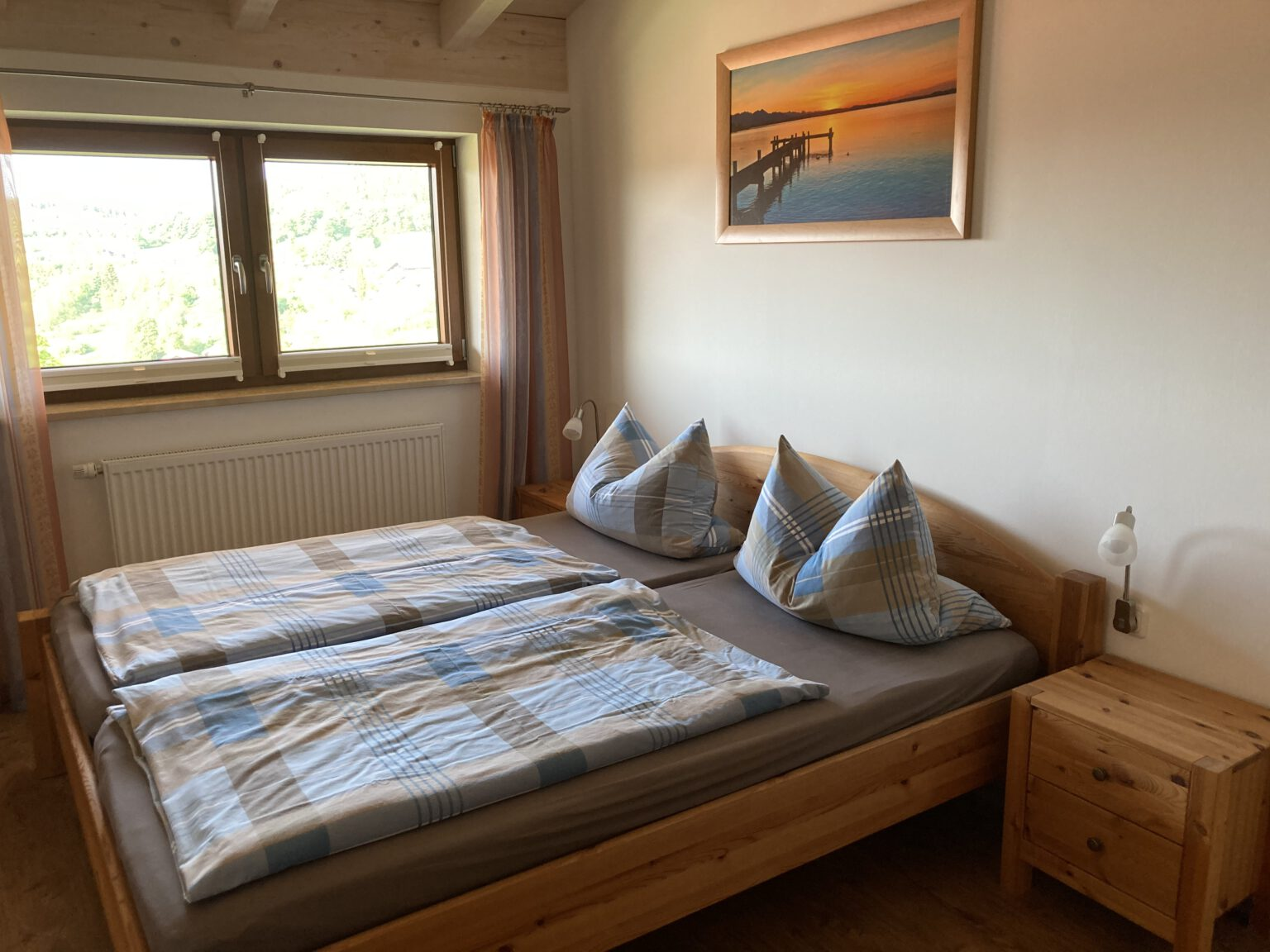 Doppelbett in Ferienwohnung 1, Ferienwohnungen Sankt Englmar